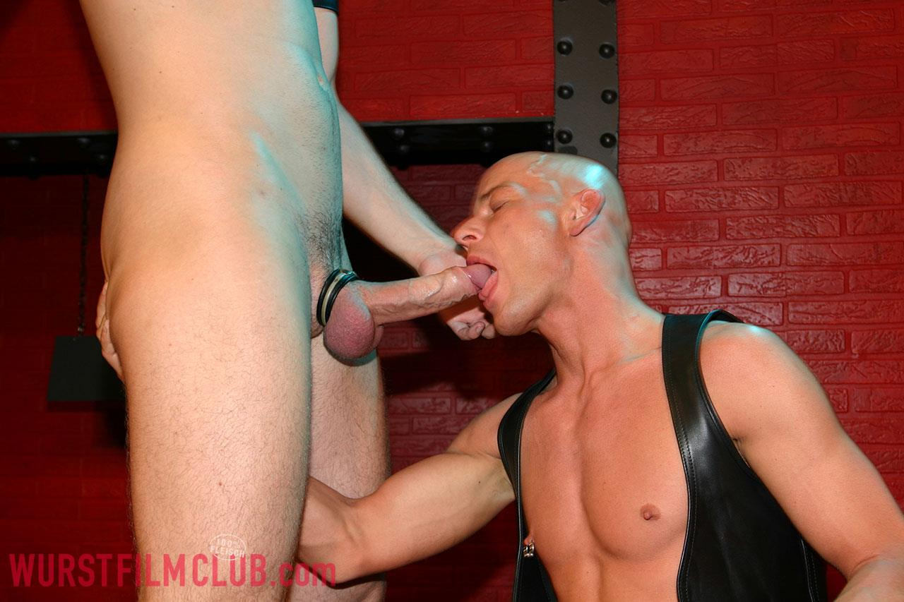 Wurst-Film-Club-Rod-Painter-and-Peto-Coast-and-Thomaas-and-Slotmachine-Big-Uncut-Cocks-At-German-Sex-Club-Amateur-Gay-Porn-02 Taking Big Bareback Uncut Cocks At A German Sex Club