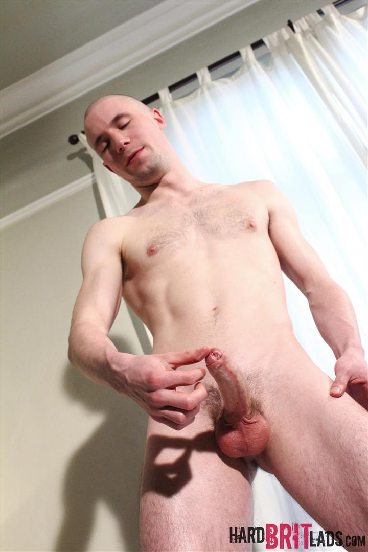 Hard-Brit-Lads-Jason-Domino-Naked-Skinhead-With-Big-Uncut-Cock-Jerk-Off-Amateur-Gay-Porn-17 British Skinhead Jerking Off His Big Uncut Cock