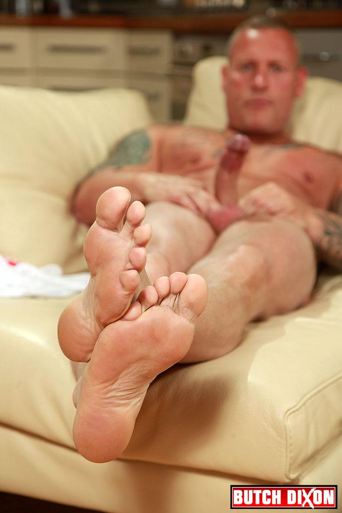 Butch-Dixon-Big-T-British-Muscle-Daddy-With-A-Big-Uncut-Cock-Amateur-Gay-Porn-16 British Muscle Daddy Jerking Off His Big 9